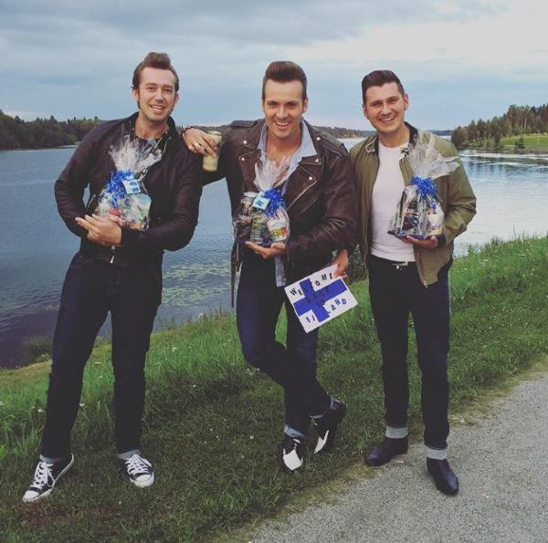 The Baseballs - Back in Finland, getting some presents right away! ❤️ On stage in - YahStar.com