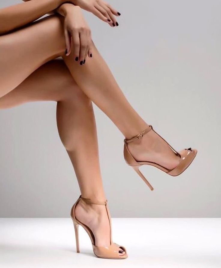 что картинки женских ноги розыгрыши шутки хэллоуин