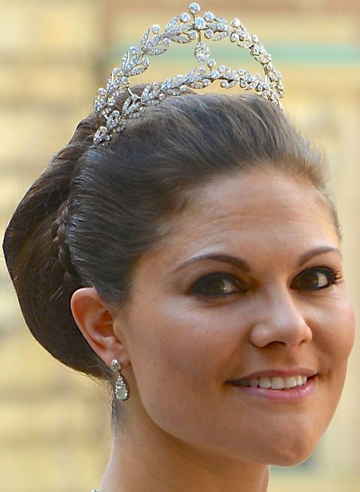 Tiara Mania: Laurel Wreath Tiara worn by Crown Princess Victoria of Sweden