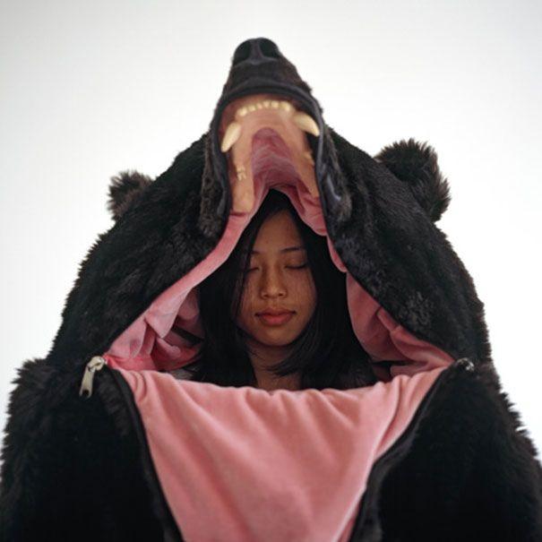 Bear Sleeping Bag Will Make Sure No One Disturbs Your Sleep