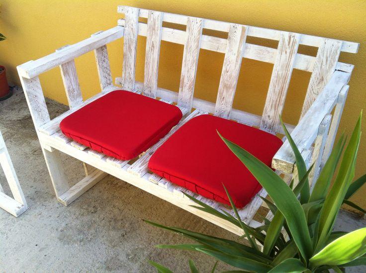 http://www.cosedicasa.com/il-divanetto-per-esterni-in-stile-shabby-99871/