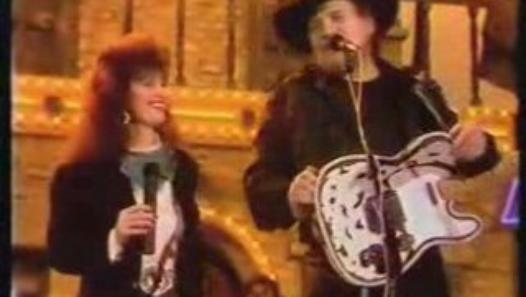 Waylon Jennings and Jessi Colter | 526x297-HGL.jpg