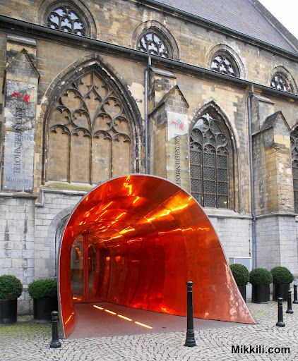 A gothic cathedral turned into a hotel. how cool is that. Kruisheren Hotel, Maastricht, Netherlands
