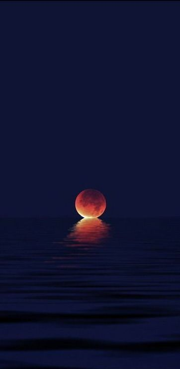 When the moon kisses the ocean!!!           Wow!!!!