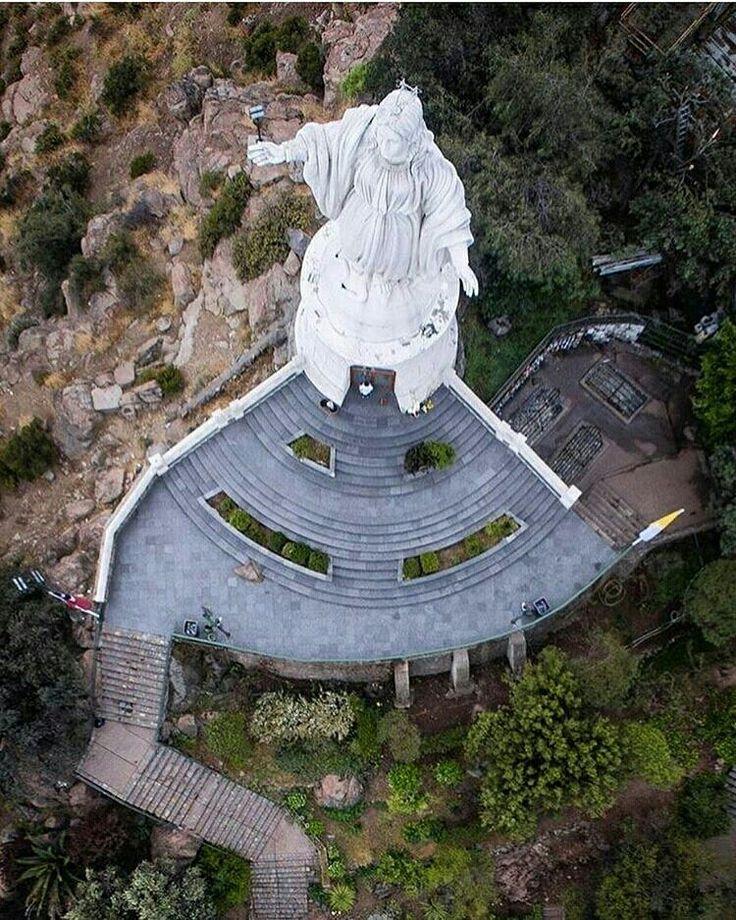 Santuario Virgen del Carmen, cerro San Cristóbal #Santiago de #Chile foto @laderasur