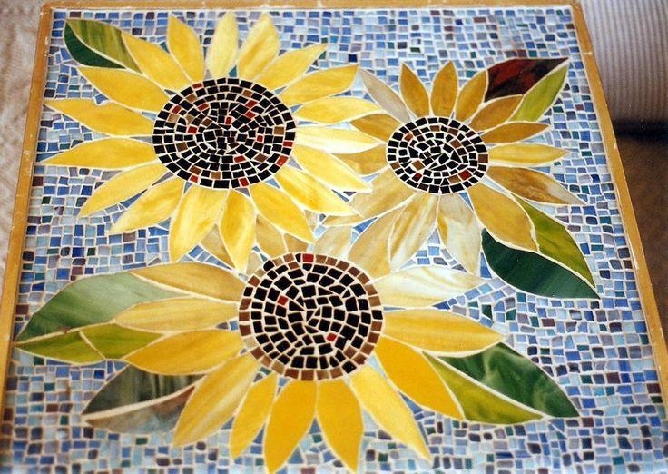 Google Image Result for http://fc07.deviantart.net/fs71/i/2010/215/2/5/Mosaic_glass_sunflower_table_by_elljaye.jpg