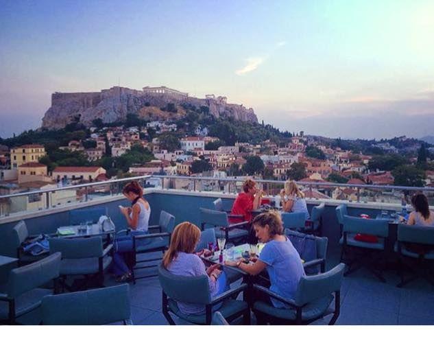 No matter the season this view doesn't change! #athens #travel #acropolis