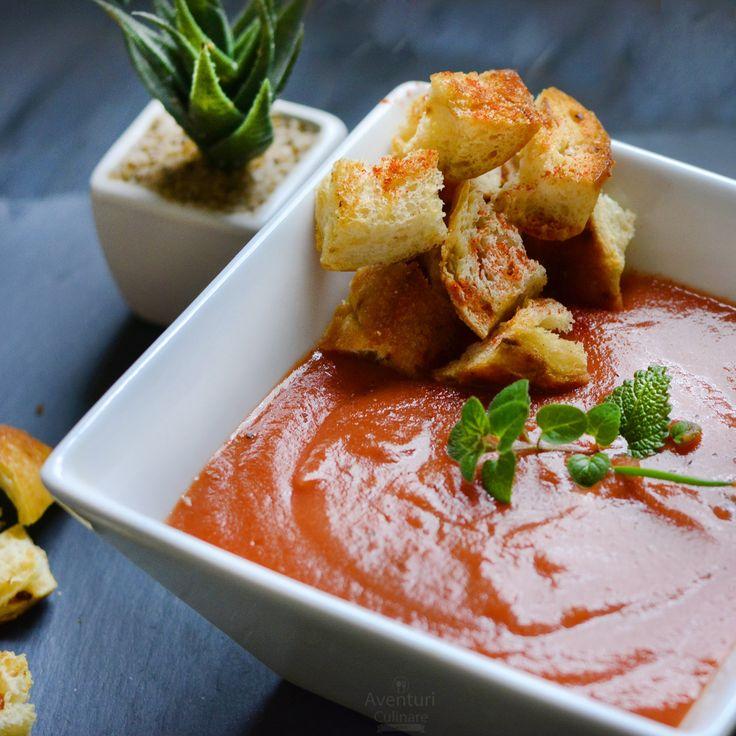 Cea mai delicioasa si simpla reteta pentru supa crema de rosii cu crutoane.