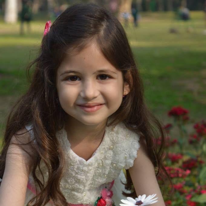 Bajrangi Bhaijaan Little Girl Cute Unseen Images, Photo, Pics, Wallpapers, Portfolio, Wiki & Biography Of Harshaali Malhotra Whoo Has Won Everyones Heart