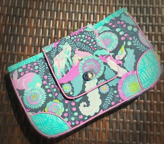 Campus Clutch Sewing Project Download