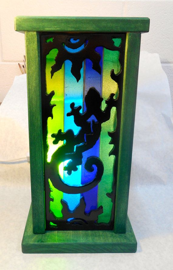 Art Deco Lamp, Desktop Glass Gecko Mood Lamp, Stained Glass Desk top Lamp, Nightlight, Southwestern Lamp. This uniquely hand crafted gecko