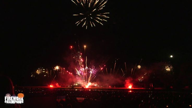 Spitfire Pyrotechnics Display - Stanford Hall Firework Champions 2015