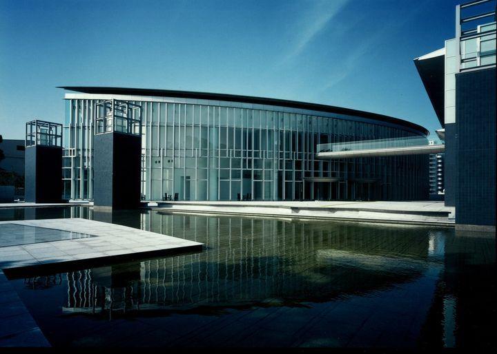 思わず目が止まる、奇抜な姿で佇む近代建築!和歌山建築巡り5選 | RETRIP