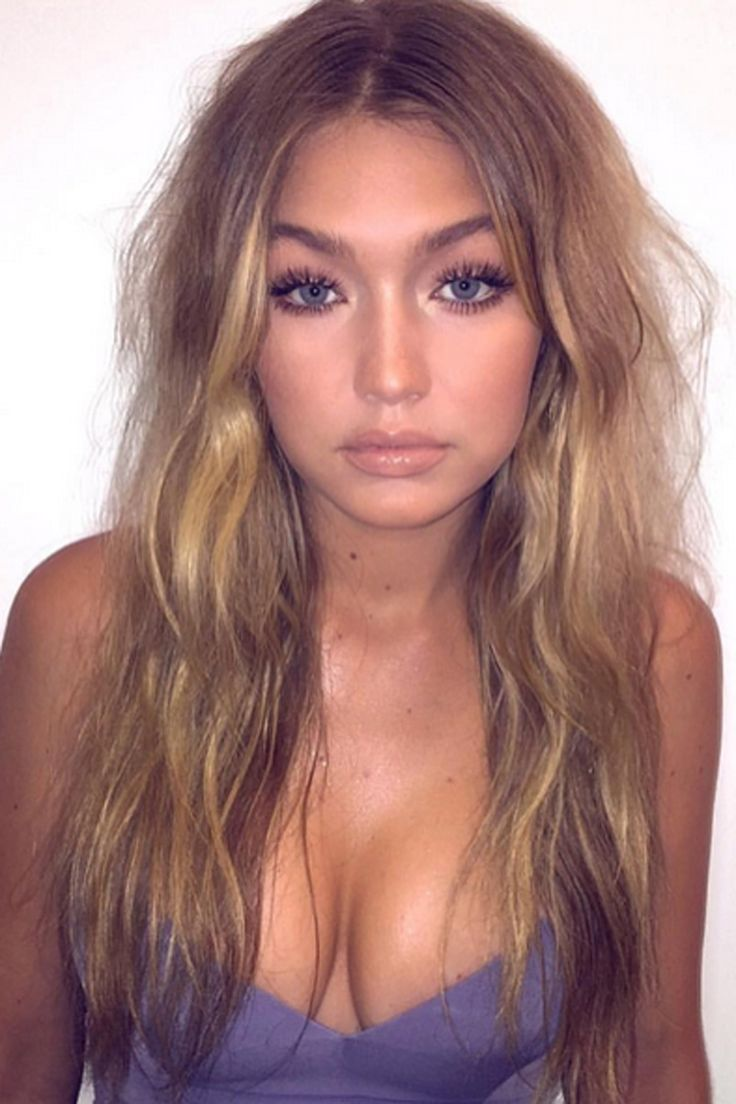 Gigi Hadid foundation beauty look