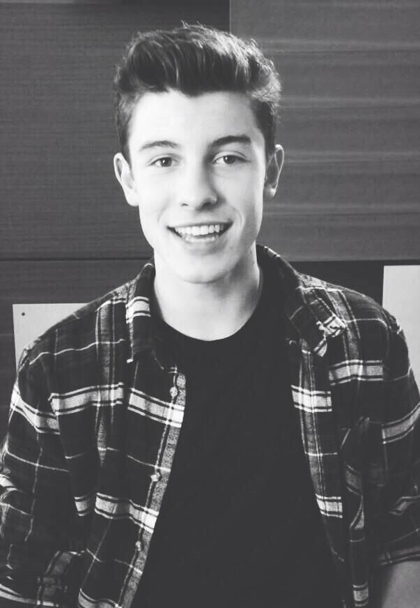 ((Fc: Shawn Mendes)) hey guys! I'm Shawn! Im 18, and taken by Abigail. I love to sing, hang out, and a lot of other stuff. Dial me up!