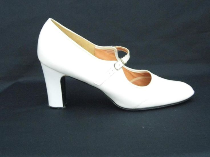 VINTAGE 1960s LADIES MOD WHITE MARY JANE SHOES STRAP & BUCKLE 3  HEELS SIZE 6   £32.00 (17B)