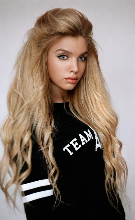 Thick Blonde Hairstyles
