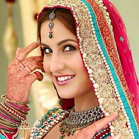 Inspiración Hindú . . #henna #hennanatural #hennatattoo #hennalover #hennafun #hennaart #hennadesign #mehndiart #mehndi #artemehndi #hennaruna #tenerife #tattotemporal #invierno #hennastain #hennafresca #beautiful #hennagirl #india #hindu #cultura #colores