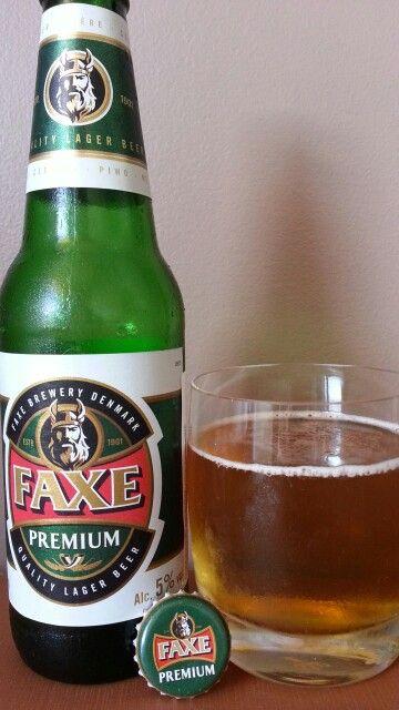 2.5/3. Review nonobier: A cerveja Faxe Premium é uma cerveja importada da Dinamarca, de coloração amarela clara, cristalina. Esta cerveja dinamarquesa é uma cerveja Premium clássica com um sabor suave e característico. Combina os melhores maltes, lúpulos e água natural em uma cerveja encorpada, mas ao mesmo tempo suave. A Premium Faxe é muito famosa em toda Europa por ser vendida em latas de um litro.