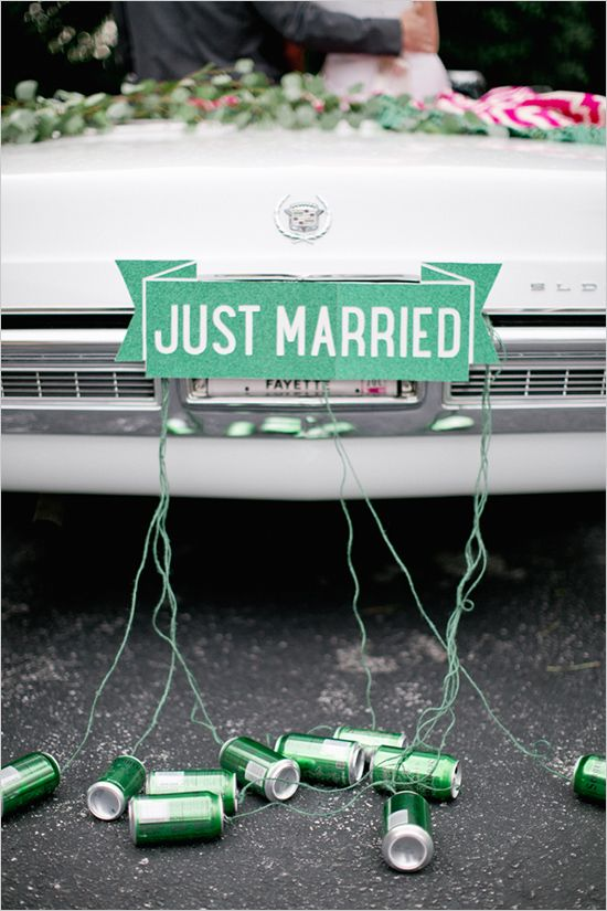 just married sign from Buzzy Craftery! Way cute!