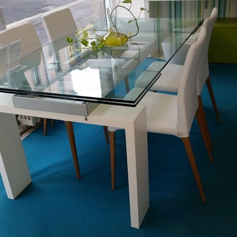 Pi di 25 fantastiche idee su tavoli di vetro su pinterest - Mollettone per stirare sul tavolo ...
