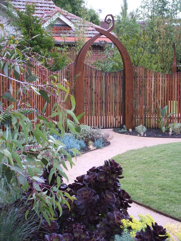 Constructed by James Ross Landscape design. Design by Andrew Laidlaw