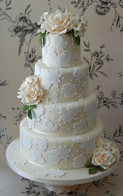 Peach and Ivory wedding cake. #cake #wedding