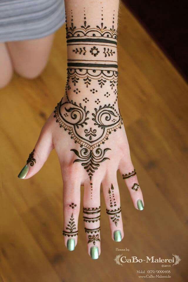 #henna #tattoo #berlin #neukölln #cabomalerei #hennaberlin #hand #natural…