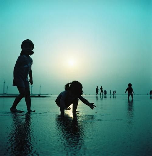 playLittle People, Blue, Classic Beautiful, At The Beach, Children, Magazines, Silhouettes, Beach Baby, Cameras