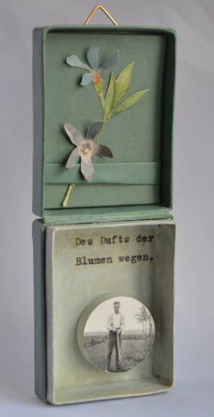 """""""des dufts der blumen wegen"""" . schatzkästchen, artbox by papiertänzerin."""