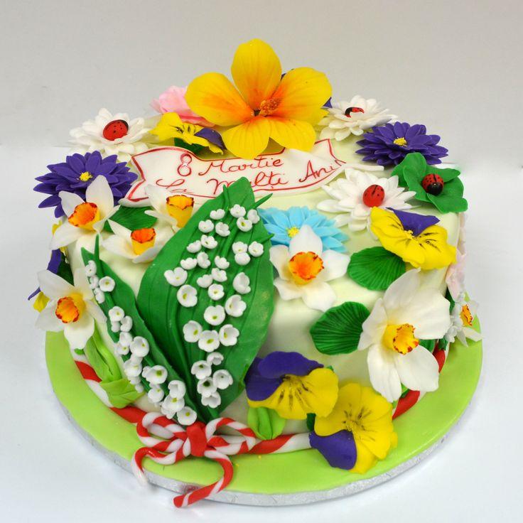 Am realizat cu ocazia zilei de 8 Martie un tort aniversar deosebit, decorat cu flori comestibile, toate realizate manual, petala cu petala. Un cadou deosebit pentru doamnele ce l-au servit.