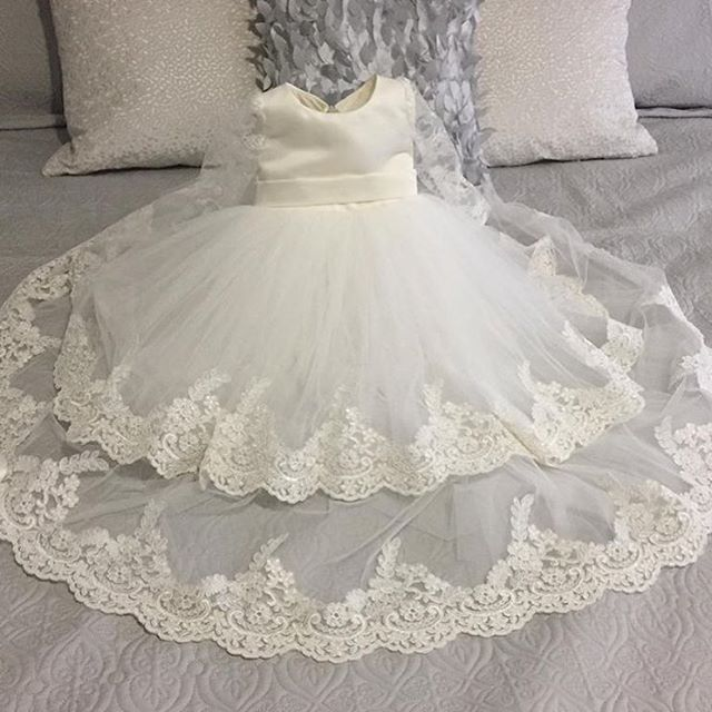 Our customer, Kara, from Canada sent us this photo of our Briana Gown she ordered for her daughter's baptism. She loved her dress and we love making her happy ❤️ Thank you for choosing #ittybittytoes We appreciate you