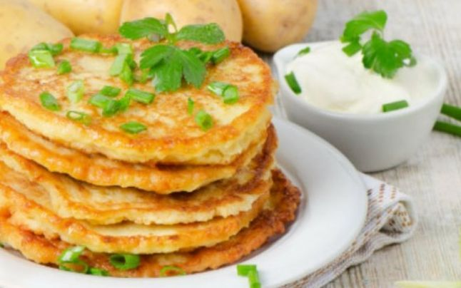 Cinci reţete banale bazate pe cartofi. Cum se impresionează musafirii cu un ingredient simplu, gătit dumnezeieşte