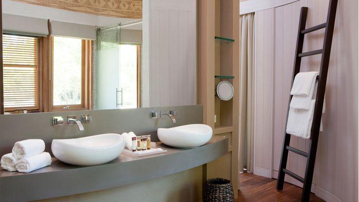 Sheraton New Caledonia Deva Spa and Golf Resort - bungawlow bathroom