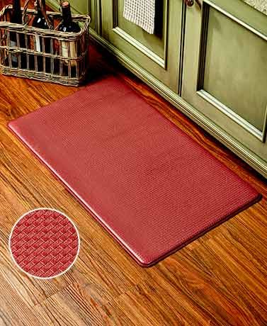 Reduce the fatigue associated with standing for long periods of time with a Chef's Comfort Mat. This soft foam floor mat provides comfort and lessens the stress