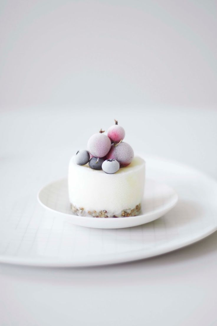 ... mini frozen yogurt cake ...