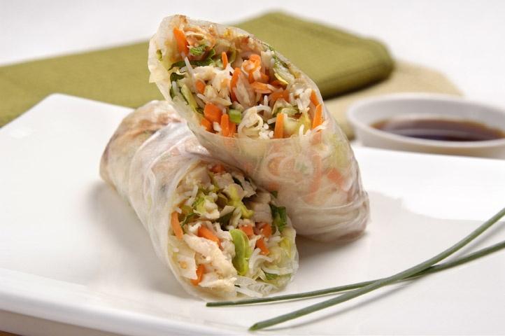 CopyCat Recipe: Pei Wei's Vietnamese Chicken Salad Rolls. 1 roll is 4 WW points.  Can't wait to try!