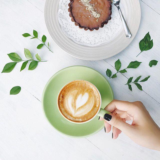 Coffee Flatlay  #cupsinframe #whiteaddict #handsinframe #whiteinframe