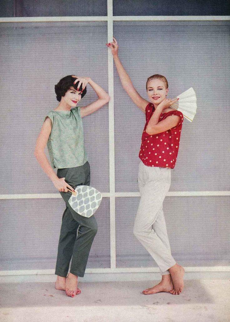 Joanna McCormick and Gretchen Harris, Vogue, 1957, photo by Richard Rutledge