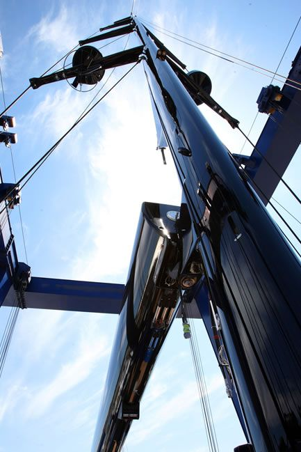 Hall Spars and Rigging - Seamless Carbon Fiber Mast - Superyacht Masts