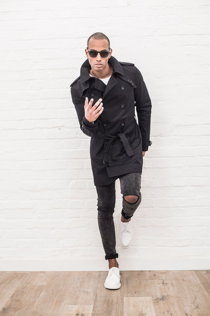 Søren Fashion Lookbook Shooting // Spring Summer 2016 #soerenfashion #tigha #drmartens #black #blackallover #white #spring #trenchcoat #denim #streetwear #sunisup #readyforwarmerdays