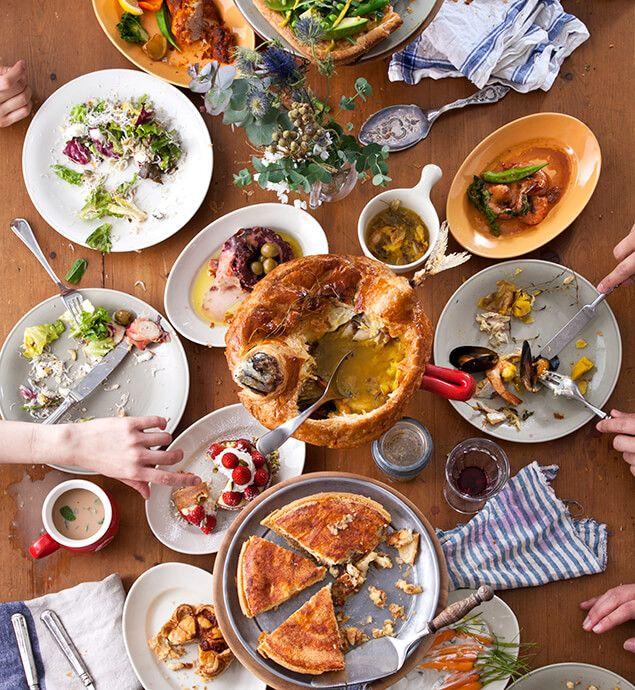 【Pie Holic】横浜・みなとみらいのMARINE&WALK YOKOHAMA内のパイ専門レストラン『Pie Holic(パイ ホリック)』では、カリフォルニアのソウルフードでもあるパイの百貨店を目指します。