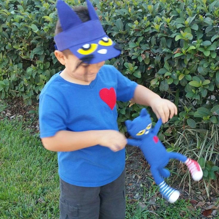 Pete the Cat DIY Costume