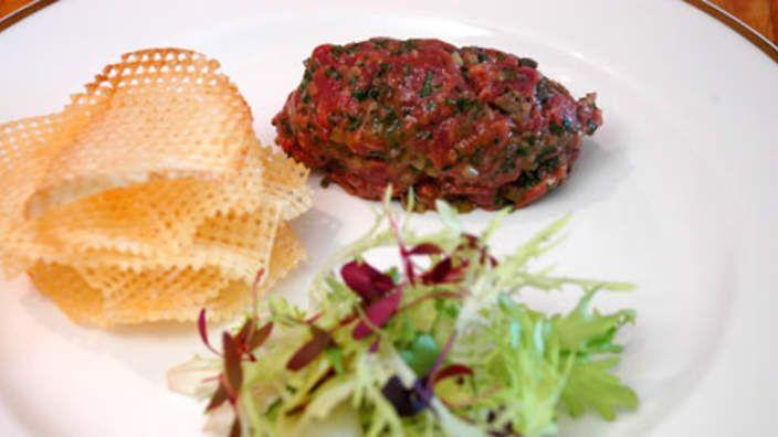 Steak tartare with pommes gaufrettes recipe