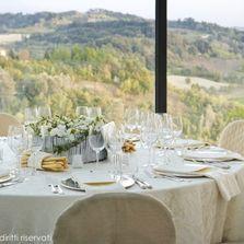 Centritavola in sala da pranzo |  Wedding designer & planner Monia Re - www.moniare.com | Organizzazione e pianificazione Kairòs Eventi -www.kairoseventi.it | Foto Oscar Bernelli
