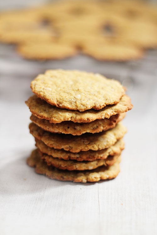 Vegan Whole Wheat Oatmeal Cookies with Jaggery from Love Food Eat
