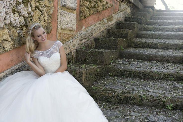 Suknia ślubna: Sincerity 2016 : 3887 - Celebrity Bridal