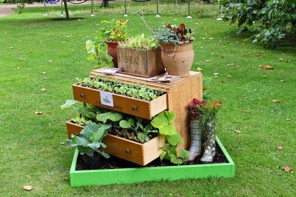 Objets de jardin recycl s 1 jardin fleuri pinterest for Idee jardin fleuri