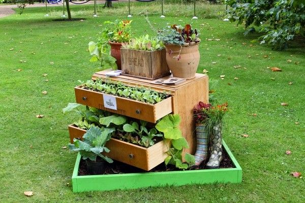 objets de jardin recycl s 1 jardin fleuri pinterest id es et jardinage. Black Bedroom Furniture Sets. Home Design Ideas