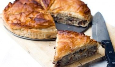 Kreatopita Meat Pie - This Greek meat pie recipe is as a great savory pie that is perfect for your dinner table.